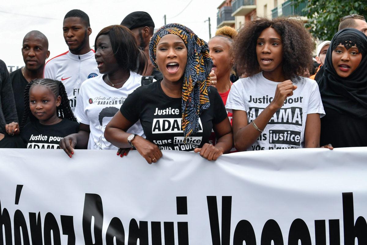 Face aux violences policières, Assa Traoré marche pour la justice