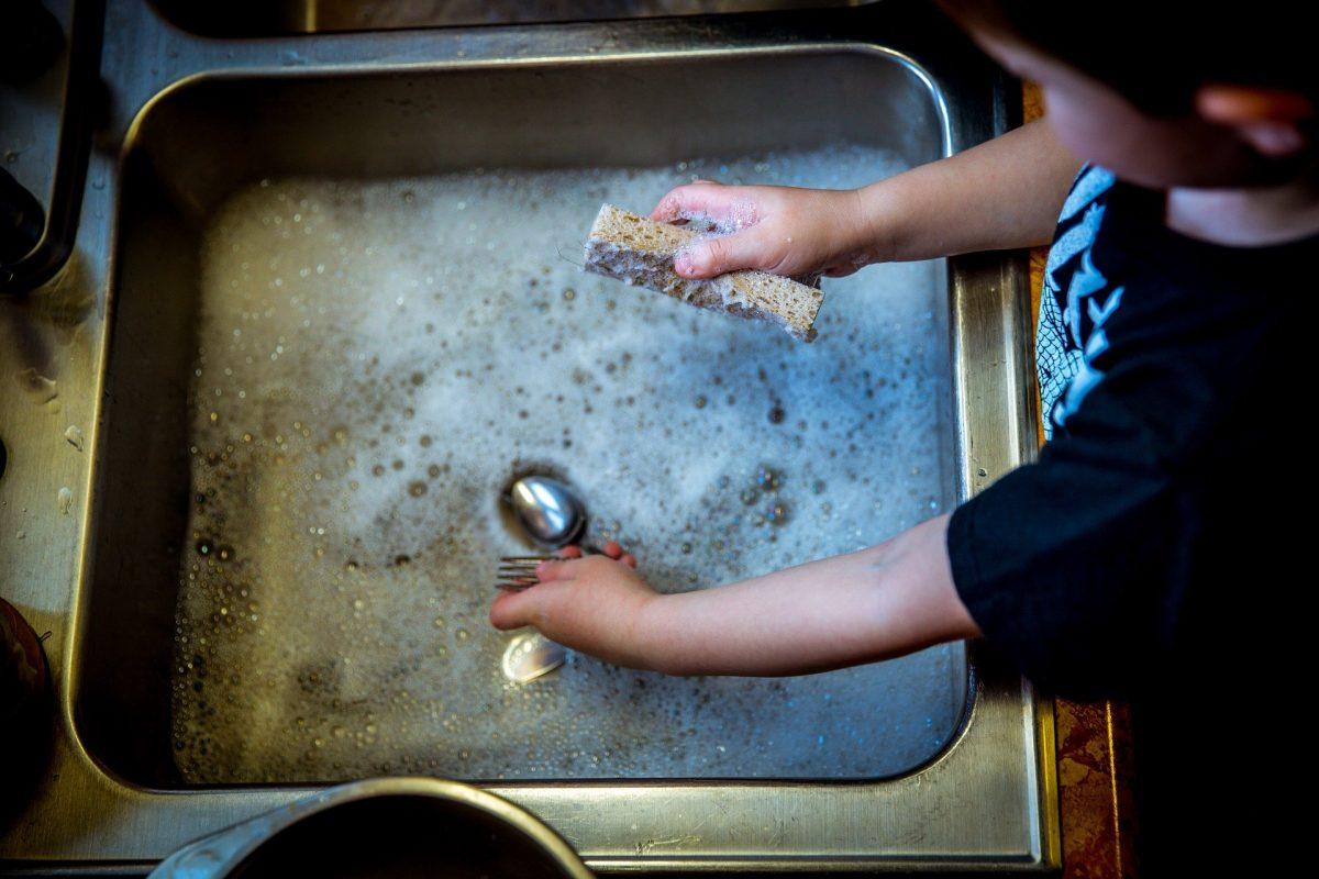 Difficultés accrues pour les mamans solos au temps du confinement