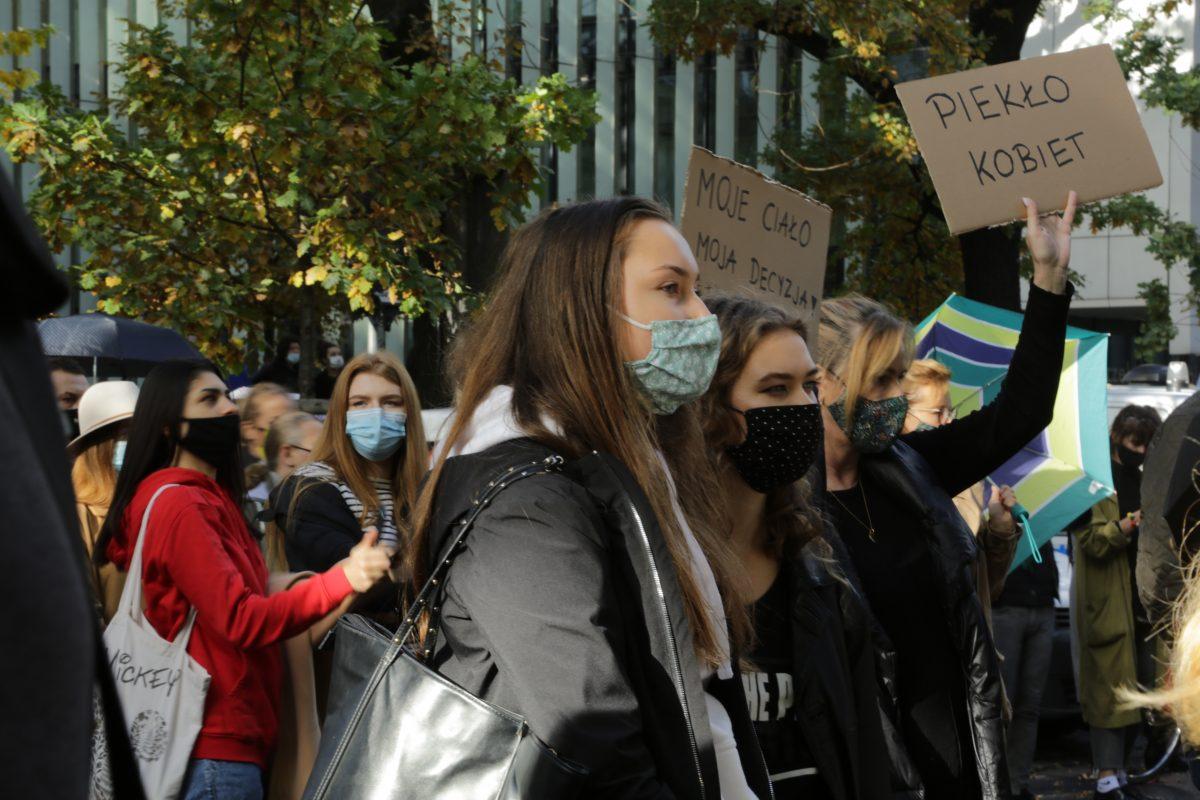 En Pologne, du ras-le-bol à la révolution: 100.000 personnes défendent l'IVG dans les rues